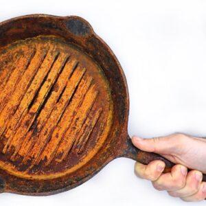 Rusty Skillet Restoration - Cooking Steak on Cast Iron Pan