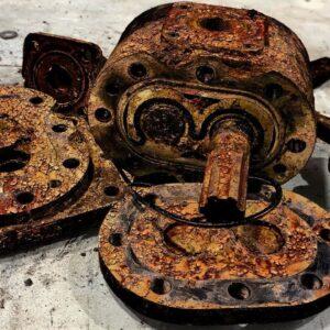 Restoration Old Rusty Pump Hydraulic Oil | Restore Hydraulic Pumps steering system Car