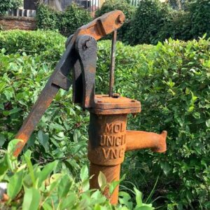 Restoring Old handle pump | Restoring cast Iron Village Water Pump handle