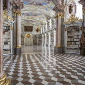 baroque design incorporating opulence in the modern home