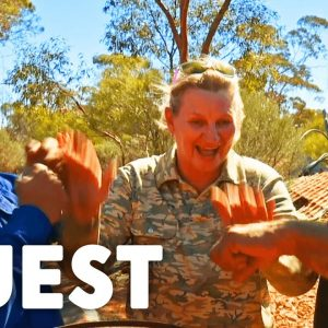 Gold Hunters Use Expert To Improve Their Gold Detecting Technique | Aussie Gold Hunters